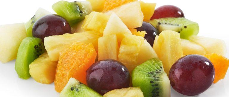 Fruits et légumes lavés et coupés